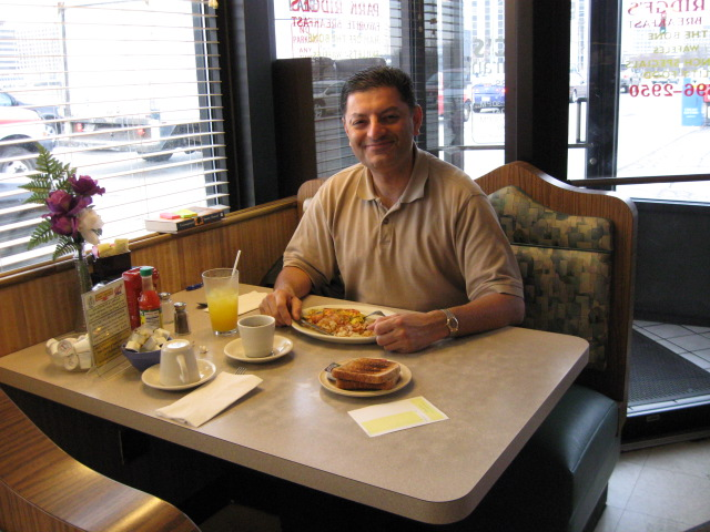 Breakfast in Macs Diner