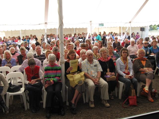Nice crowd