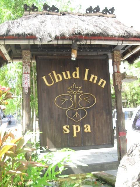 Ubud Inn sign