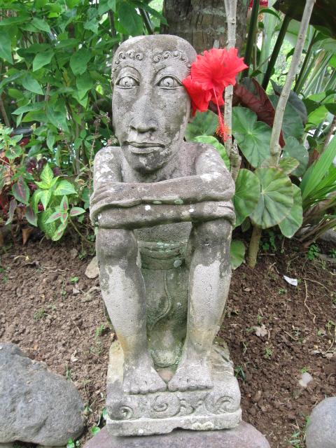 Ubud Inn statue